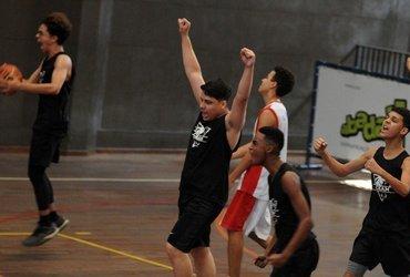 Colégio Estadual Andre Maurois se classifica para as quartas de final em sua primeira participação no basquete do Intercolegial