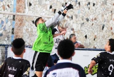 Com apenas 13 anos, Ariel estreia em grande estilo no Intercolegial e fecha o gol do Souza Amorim na vitória sobre o Signorelli
