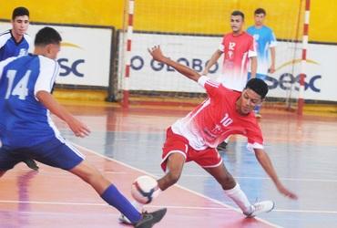 Com passagem pelas categorias de base do Flamengo, Kayky comanda goleada do Odete São Paio na estreia do futsal