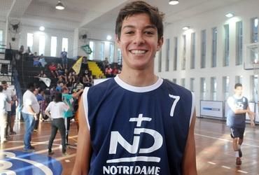 Derrota por três pontos abala o muso João Lauro, mas não arranha o amor pelo basquete
