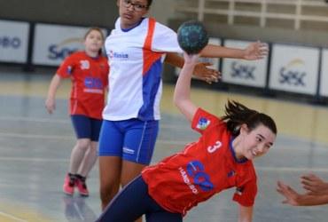 Em dois anos de projeto no handebol, Escola ECO, do Grajaú, chega às semifinais da categoria sub-12 não federada feminina
