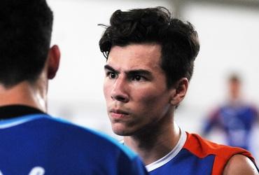Fã de rock and roll, João Victor se despede do Inter com três gols e vice-campeonato