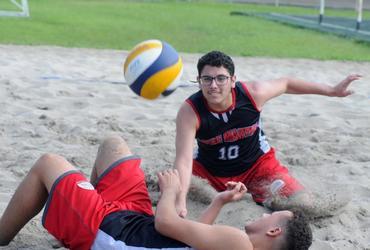 Fã do campeão olímpico Alison, Matheus é o mais novo talento do Loide Martha no vôlei de praia