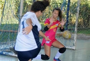Musa das semifinais do futsal, goleira Maria Clara vai disputar a medalha de bronze pelo Triângulo