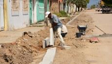 Eunápolis recebe R$ 1,9 mi para pavimentação