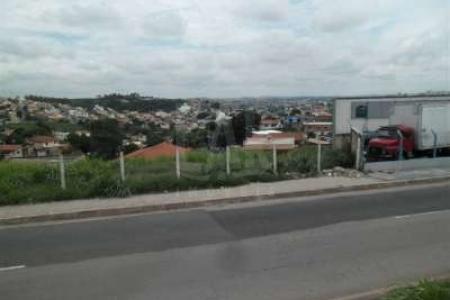 Lote com 500 m², frente para o Anel rodoviário e fundos para a Rua paralelo, relevo em aclive, às margens do anel rodoviário, Rua quase esquina com a Rua Osmario Soares.