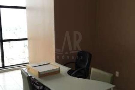 Excelente sala com 48m², ótima localização, fácil acesso, toda com piso em cerâmica, 01 banho; Prédio com portaria 24hs, 02 elevadores, sendo um panorâmico com vista para a cidade, 01 vaga de garagem;