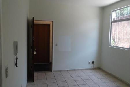 Excelente apartamento com 60m², 03 quartos, piso em cerâmica, sala, cozinha, banho social com box blindex, área de serviço, 01 vaga de garagem. Visitas acompanhadas.