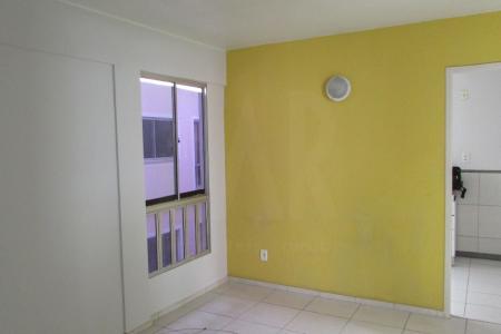 Excelente imóvel, excelente localização, constituído de 02 quartos, com piso em cerâmica, 01 sala ampla, parede com detalhe em textura, piso em cerâmica, 01 banho social, cozinha conjugada com area de serviço, cozinha com armários planejados.  Prédio com fachada com pintura nova, portaria 24 horas, área de circulação, 01 vaga de estacionamento.  ***VISITAS ACOMPANHADAS***  Localização: Próximo ao supermercado BH e UFMG    Atualizado em 25/07/2018.