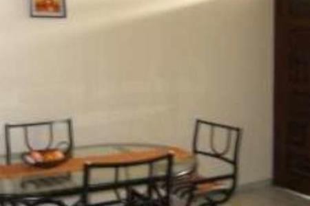OPORTUNIDADE!!! EXCELENTE LOCALIZAÇÃO   Área externa: Casa gradeada, estilo colonial, jardim garagem para 08 carros sendo 02 cobertas, pomar.  Edícula: Sala, quarto, sala de jantar, cozinha, banho, todo ambiente com piso em cerâmica. Área de churrasqueira com bancada em ardósia.  Casa: Sala de estar e sala de jantar com piso em cerâmica. 04 quartos sendo um com suíte e piso em cerâmica e Box em acrílico. Banho social todo revestido em cerâmica e box de acrílico e armários. Cozinha toda revestida em cerâmica, armários de acrílico, bancada em Mármore. Varanda com piso em ardósia.    SAIBA MAIS SOBRE ESTE IMÓVEL LAR IMÓVEIS LTDA. - Telefone: (31) 3232-2001 Av. Alameda das Palmeiras, 717 - Pampulha - BH - MG  SITE: www.larimoveis.com.br  EMAIL: lar@larimoveis.com.br    Atualizado em 09/12/2017.