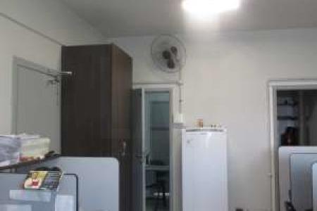 Condomínio comercial  em local tradicional de Belo Horizonte. Conjunto de 03 salas com 135 m², com escritório de contabilidade, piso em taco nas salas e banheiro com piso em cerâmica. Valor do condomínio de cada sala é 330,00 reais.  Venha fazer um bom negócio!!!    Atualizado em 18/11/2017.