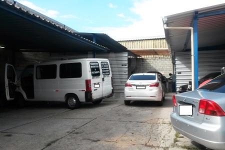 Excelente Galpão no bairro Paquetá. Próximo á comércio e vias de trânsito rápido. Galpão em lote de 360m² sendo 169m² de área construída. Topografia: Plano
