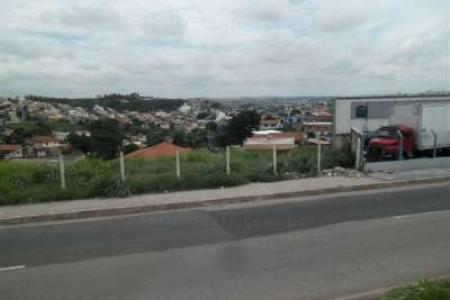 Lote com 500 m², frente para o Anel rodoviário e fundos para a Rua paralelo, relevo em aclive, às margens do anel rodoviário, Rua quase esquina com a Rua Osmario Soares.    Atualizado em 03/11/2018.