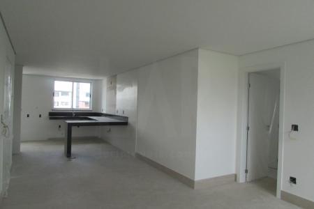 PREVISÃO DE ENTREGA PARA JULHO DE 2018 EXCELENTE OPORTUNIDADE PRÉDIO: 100% Revestido em cerâmica 10x10. 6 Pavimentos, sendo 2 apartamentos por andar.  Portão Eletrônico. Interfone. Gaz canalizado. Elevador. 4 vagas de garagem demarcadas ( 27-28-29-30) APARTAMENTO: Sala para 2 ambientes com piso em porcelanato. 4 Quartos com piso em laminado, sendo 1 Suite Master com closet, 1 Suite Junior e 2 Semi Suites, ambas com bancadas e pisos em granito,  e box em blindex.  Lavabo com piso e bancada em granito. Cozinha tipo americana  com bancadas em granito e piso em cerâmica.  Área de Serviço com piso em cerâmica e tanque. Banho de empregada com piso em cerâmica.    Atualizado em 16/01/2018.