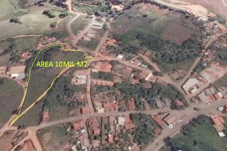 Área com aproximadamente 10.000m², urbana. Matrícula 7009, comarca de Entre Rios.    Atualizado em 22/07/2017.