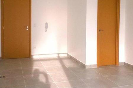 Oportunidade! Alugue sem fiador! Excelente sala, com 23m², em ótima localização, próximo a Cristiano Machado, Minas Shopping e comércios em geral. Imóvel constituído em 01 sala, com piso em cerâmica e 01 lavado. Prédio revestido em cerâmica, porteiro físico em horário comercial, 02 elevadores e 01 vaga de garagem sob pilotis.    Atualizado em 26/11/2018.