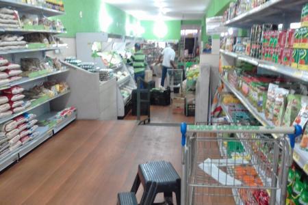 Excelente Localização  Prédio: Excelente ponto comercial próximo à Rua Claudio Manoel, ideal para investidor, 02 lojas de frente para rua - loja 2 com 178,83m² e loja 3 com 184,52m²,