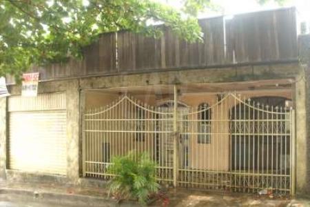 LOTE: Terreno com 360 m², 12 m de frente e 30 m de fundo. Possui uma casa antiga. Zoneamento ZAP.  MAIORES INFORMAÇÕES: LAR IMÓVEIS LTDA. - Telefone: (31) 3232-2001 Alameda das Palmeiras, 717 - São Luiz / Pampulha - BH/MG. SITE: www.larimoveis.com.br  EMAIL: lar@larimoveis.com.br    Atualizado em 01/05/2017.