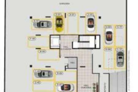 Excelente localização  PRÉDIO: 100% revestido em cerâmica e textura, portaria, hall decorado, elevador e salão de festas.  APTO: Sala para 02 ambientes, estar / jantar com piso em granito. Varanda. 03 quartos com piso em laminado e armários. Banho social com box, espelhos, armários, bancada e piso em granito. Cozinha montada com vários armários, bancada e piso em granito. Área de serviço e banho de empregada.