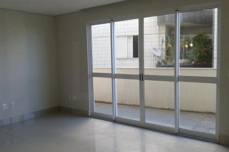 ***ÓTIMA LOCALIZAÇÃO*** -PRÓXIMO A AVENIDA PROFESSOR MARIO WERNECK, COMÉRCIO, VÁRIAS LINHAS DE ÔNIBUS- PRÉDIO: Fachada com pele de vidro, revestido em grafiado e cerâmica, portão eletrônico, elevador, 03 vagas de garagem. APTO: 01 sala com piso em porcelanato. 03 quartos com piso em laminado, sendo 01 suíte com closet, banho e suíte com piso e revestimento e cerâmica, bancada em granito. Cozinha com piso e revestimento em cerâmica, bancada em granito. Área de serviço. Área privativa com aproximadamente 128m².   SAIBA MAIS SOBRE ESTE IMÓVEL LAR IMÓVEIS LTDA. - Telefone: (31) 2129-2001 Rua Amparo 176, Barroca - BH - MG  SITE: www.larimoveis.com.br  EMAIL: lar@larimoveis.com.br    Atualizado em 10/12/2017.