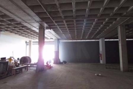 Imóvel alugado ! Ideal para investidores ! Loja comercial de frente para a principal avenida de BH !  Prédio Comercial, imponente, estacionamento rotativo, elevador.  Loja: Área de aproximadamente 140,93 m². Piso concreto nível zero.    Atualizado em 30/11/2018.