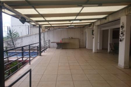 Excelente subsolo, com 130 m², no bairro Santa Lúcia com espaço gourmet, piscina, churrasqueira, copa e cozinha, perto da Praça do Sol, do BH Shopping e da Avenida Raja Gabaglia.    Atualizado em 07/10/2018.