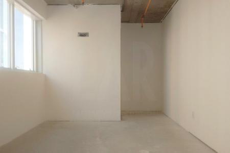 Excelente sala com 25 m², piso a receber acabamentos finais, com banho e duas vagas de garagem.  Prédio Novo, com design arrojado, excelente localização, portaria 24 horas, 02 elevadores, catracas eletrônicas com controle de acesso.  Ideal para consultórios, escritórios, ambientes corporativos ou investimento    Atualizado em 14/06/2018.