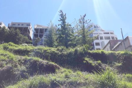 Excelente terreno! Localização privilegiada. Condomínio fechado. Terreno com aclive. 1009 m2  Lote 10 quadra 5    Atualizado em 21/05/2018.