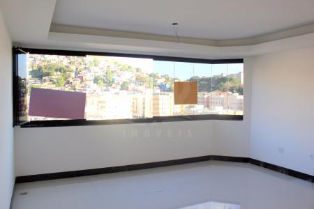 Ótima localização, próximo da Avenida Silva Lobo, rua Oscar Trompowsky, Faculdade Newton de Paiva, supermercados, padaria, escolas e fácil acesso.  Prédio: 100% revestido em granito, cerâmica e pastilha, muro de vidro, jardim, 1 elevador e 3 vagas de garagem, sendo 2 linha no (-1) e 1 independente no (0).   Apto: 2 salas amplas com piso de porcelanato, bem ventiladas, iluminadas naturalmente,  3 quartos (sem armários), com piso de laminado, sendo 1 suíte com piso e bancada de granito, box de vidro. Banho social. Ampla cozinha (sem armários), com piso e bancada de granito. Área de serviço com piso de granito e banho de empregada.    Atualizado em 20/07/2017.