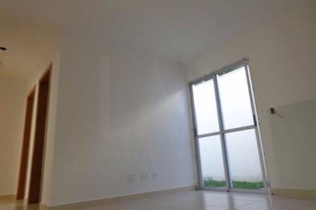 prédio pequeno, bem localizado, recuado, 100% revestido em cerâmica e pintura texturizada, portão eletrônico, cerca elétrica, gás canalizado, 01 vaga de estacionamento livre e demarcada.   Apartamento com área privativa  01 sala para 02 ambientes, piso em porcelanato, teto em gesso. 03 quartos, piso em porcelanato, teto em gesso, sendo 01 suite. banho suite e social ambos, piso em cerâmica, bancada em granito, paredes azulejadas. corredor, piso em porcelanato, teto em gesso. cozinha, piso em cerâmica, bancada em granito, paredes azulejadas. área de serviço, piso em cerâmica, paredes azulejadas. área privativa, piso em cerâmica.