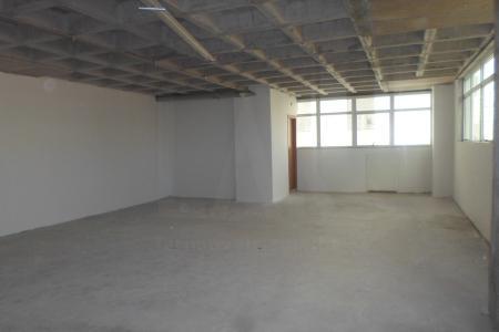 Sala com 45 m2; excelente localização. Edifício de alto padrão com 8 pavimentos, 100% revestido em granito e pele de vidro, construtora PHV. Excelente localização próximo ao fórum, quartel, Cemig e hospitais.  O imóvel possui uma vaga de garagem disponível que será cobrada a parte, no valor de R$250,00 mensais.