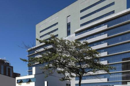 Excelente localização!  Sala ampla arejada próxima ao Hospital Felício Rocho, Prédio com 6 elevadores 02 vagas de garagem    Atualizado em 06/12/2018.