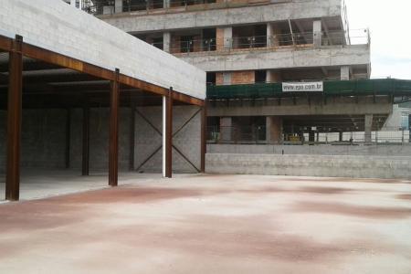 Loja de 900 m2 para alugar, perto da Avenida Barão Homem de Melo e da Avenida Raja Gabaglia.  Excelente localização, aberto a propostas !    Atualizado em 25/11/2018.