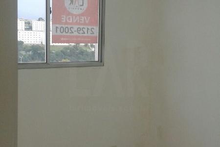 Apto no 3º andar, de 3 quatos sendo 01 suite, sala, cozinha, area de serviço, gas canalizado, agua individual, de frente para via expressa, com vista definitiva, claro e arejado, piso todo em ceramica, esquadrias de aluminio. Todos os comodos ja estão com lampadas e plafonier decorativo, espelhos sobre a pia, pontos para telefone e internet. Predio: com interfone e proximo a praça de lazer  Ampla praça de Lazer com piscina, quadras, fitnes, espaço kids e outros.  Obs. Este apartamento esta vazio deste a epoca da compra. O comprador, investidor, numca morou e nem alugou ate a data de hoje.  Deverá ser enviado emal para portaria do condominio antes da visita com cleinte,  email: mundi.adm@mundicondominioresort.com.br   Condominio MUNDY, Acesso pela via expressa sentido Eldorado.    Atualizado em 26/05/2018.