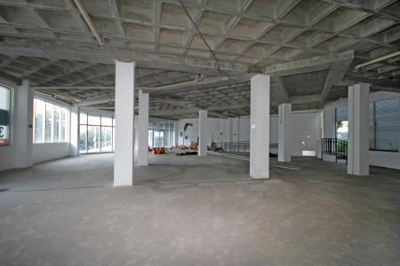 Excelente loja de 400m² em edifício de alto padrão de acabamento. Excelente localização a 650 metros do Novo Mater Dei. Ótima visibilidade e fluxo de cliente. 7 Vagas de garagem na calçada em frente à loja demarcadas.    Atualizado em 10/12/2018.