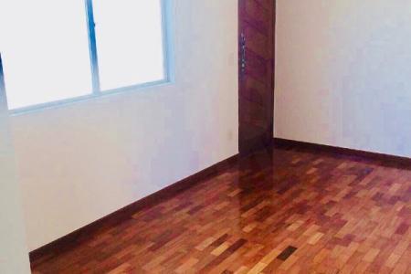 Excelente apartamento na floresta próximo a toda infra estrutura comercial da região, com fácil acesso ao centro de Belo Horizonte.   O apartamento conta com um sala ampla para dois ambientes com piso em taco sintecado, três quartos com armários com piso em taco sintecado, uma suite com bancada em granito e box, banho social com bancada em granito e box, cozinha com armários e bancada em granito, uma vaga coberta e demarcada.  Aceita permuta por imóvel nos bairros Castelo ou Ouro Preto    Atualizado em 28/09/2018.