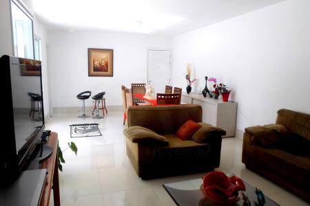 Excelente apartamento de 4 quartos, sendo 2 suítes e 2 semi suítes, salas de estar e jantar integradas, Cozinha e varanda integradas, Closet (na suíte máster), Aquecimento central de água nos banheiros dos quartos, Área de serviço, DCE, Depósito, Banheira hidromassagem Suíte máster.  Área de lazer: Piscina Climatizada, Piscina Infantil, Sauna, ducha e repouso, Sala de massagem, Espaço gourmet,Salão de festas com Home theather, Espaço Kids, Playground, Fitness, Mini quadra esportiva, Salão de jogos.    Atualizado em 28/11/2018.