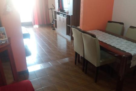 Gameleira Apartamento 03 quartos sendo uma suite , sala dois ambiente, banheiro em cerâmica, cozinha, área de serviço.  Dois lances de escada, 1 vaga livre e coberta.  Aceita troca e estuda permuta.   Atualizado em 12/12/2018.