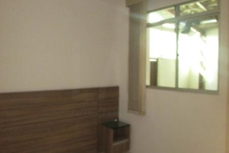 Ótima área privativa  com aproximadamente 60 m²,em um ótima  localização,com ônibus na porta, a um quarteirão da Av. Guarapari, fácil acesso a estação Pampulha, faculdade UFMG, e Faculdade UNIFENAS.  Constituído por uma sala amplas com painel para TV, porta em blindex  para área privativa, 03 quartos amplos com armários novos, banho social,  e banho suíte com Box em blindex, armários embutido,  ampla cozinha arejada com lindos armários embutidos, coifa e um lindo fogão cooktop , e bancada em granito.  Área de serviço fechada, com churrasqueira, armários, na parte da área Privativa, prédio com 02 vagas de garagem em linha coberta livre,prédio todo pastilhado.   Visita Acompanhada