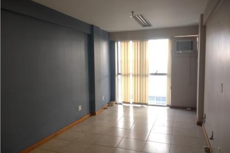 Excelente sala comercial de 25 m² próximo ao hospital Felício Rocho, com piso em cerâmica, ar condicionado e banheiro. Excelente para consultório.    Atualizado em 14/07/2018.