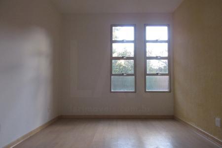 Ótimo apartamento 65 m², com excelente localização!  Prox.: EPA, Newton Paiva e muito mais!  Apartamento: Sala ampla com piso em Laminado; 02 Quartos ambos com piso em laminado e armários embutidos; Banheiro revestido em cerâmica, box blindex, bancada em mármore e armário embutido; Cozinha revestida em cerâmica, bancada em granito e armários embutido; Área de serviço integrada.  Edifício: Prédio revestido em tijolinho, hall de entrada, portão eletônico, interfone; 01 vaga de garagem, livre, desmarcada em estacionamento próprio do condomínio.    Atualizado em 02/11/2018.