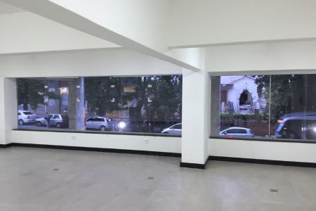 Vagas de Garagem localizadas localizadas no melhor ponto do Lourdes, próxima ao Palácio das Artes, Igreja de Lourdes, Faculdades, Cartórios, Terminal de conexão com Aeroportos e Departamento de Trânsito de Minas Gerais.    Atualizado em 18/11/2018.