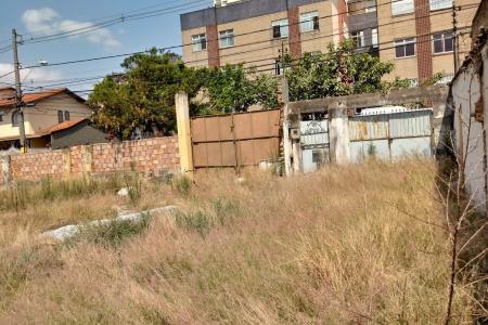 LOTE PLANO COM ÓTIMA LOCALIZAÇÃO, MURADO.  Constando Informação básica e Croqui do Terreno para melhor avaliação do investidor.    Atualizado em 01/11/2018.