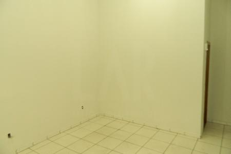 Excelente imóvel Loja com 25 m², com piso em cerâmica, pé direito de 5 metros portas em blindex e porta de aço embutida no teto.   Um banheiro com piso em cerâmica e bancada em granito. Fachada Imponente e moderna. No melhor ponto do barro preto.    Atualizado em 01/11/2018.