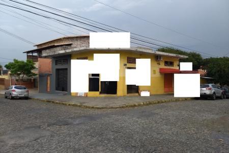 Execelente lote de esquina no Santa Inês com 375 m²  com loja construída,  Barracão no Fundo com 3 cômodos, próximo à Igreja de Nazaré e Colégio Máximus.    Atualizado em 12/12/2018.
