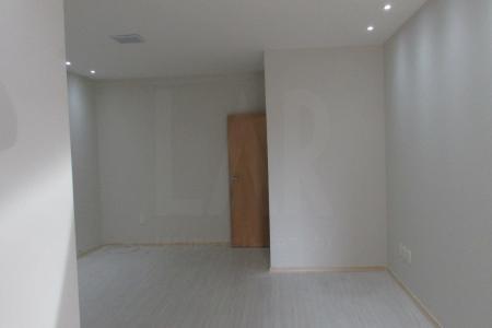 Excelente loja com aproximadamente 40m², em ótima localização. Loja ampla, com piso em cerâmica, lavabo, instalação completa.