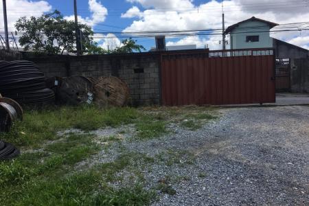 Terreno próximo ao Carrefour no bairro Ouro Preto.  Amplo terreno com 360 m², com suave declividade próprio para construção de prédios.  Zona de uso: ZAR 2.