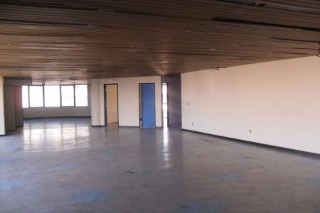Andar corrido com 1.000 m², 10 vagas de garagem (vaga de garagem alugada separadamente R$ 300,00 cada vaga)