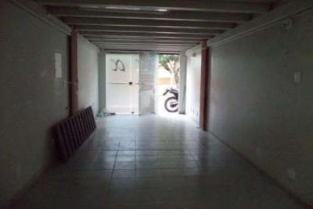 Excelente loja em ótimo ponto do bairro, aproximadamente 48 m², fácil acesso a Av. Silva Lobo e comércios, próximo a faculdade Newton Paiva.  Imóvel com piso em cerâmica, banho social.