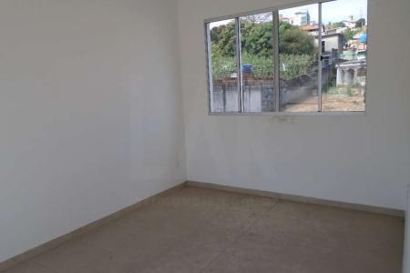 Excelente área privativa nova, primeira locação, com aproximadamente 90 m², ótima localização próximo à Av. Raul Mourão Guimarães. Constituído por uma sala ampla com piso em cerâmica; 2 quartos com piso em cerâmica; banho social e suíte com revestimento em cerâmica e bancada em granito; cozinha conjugada com área de serviço e bancada de granito; Excelente área externa gramada. Prédio com revestimento em pintura com cerca elétrica, portão eletrônico, jardim, interfone e duas vagas de garagem cobertas e livres.